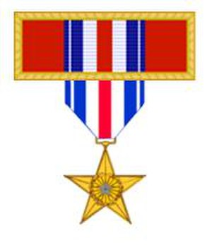 Valorous Unit Award - Comparison of the Valorous Unit Award with the Silver Star.