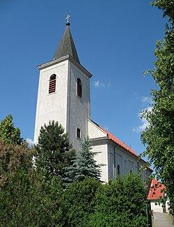 Velky Cetin kostol.jpg