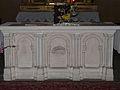 Villamblard église autel.JPG
