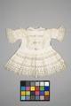 Vit barnklänning 1900-tal - Livrustkammaren - 86902.tif