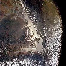 Lago Volta dallo spazio (Aprile 1993). Il più grande lago artificiale al mondo per estensione.