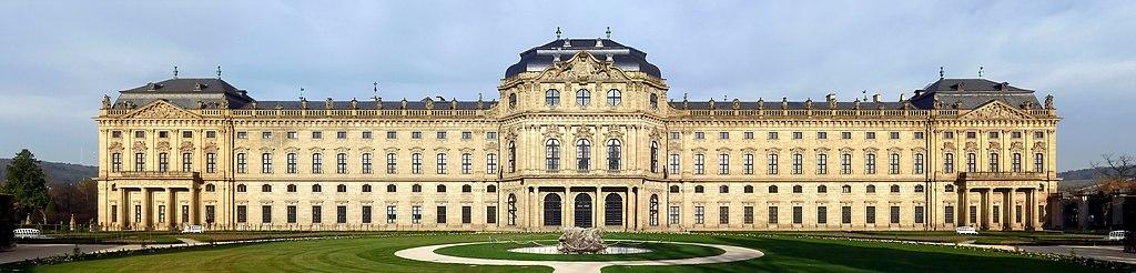 Würzburger Residenz, Gartenfront