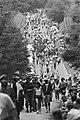 Wandelvierdaagse van Nijmegen wandelaars op Zeven Heuvelenweg, Bestanddeelnr 932-2542.jpg