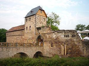 Burgfestspiele Bad Vilbel - Image: Wasserburg Bad Vilbel 869 vd