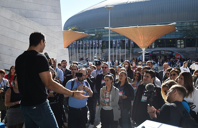 File:Web Summit 2017 - Q and A Stage DF2 3116 (38207476772).jpg