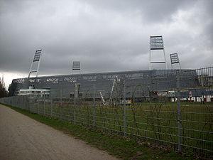 300px-Weserstadion_S%C3%BCdgerade.JPG