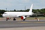 White, CS-TKU, Airbus A321-211 (28284085117).jpg