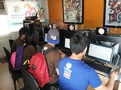 Workshop during Rinconada Bikol Wikipedia Edit-a-thon.jpg