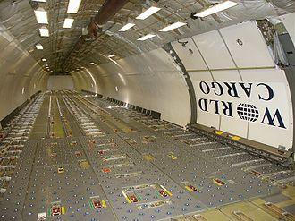 McDonnell Douglas DC-10 - Cargo cabin