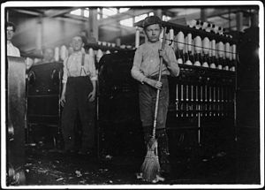 Anniston, Alabama - Child laborers at Anniston Yarn Mills, 1910.  Photo by Lewis Hine.