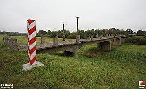 Zasieki, Zasieki - kładka dla pieszych - fotopolska.eu (84709).jpg