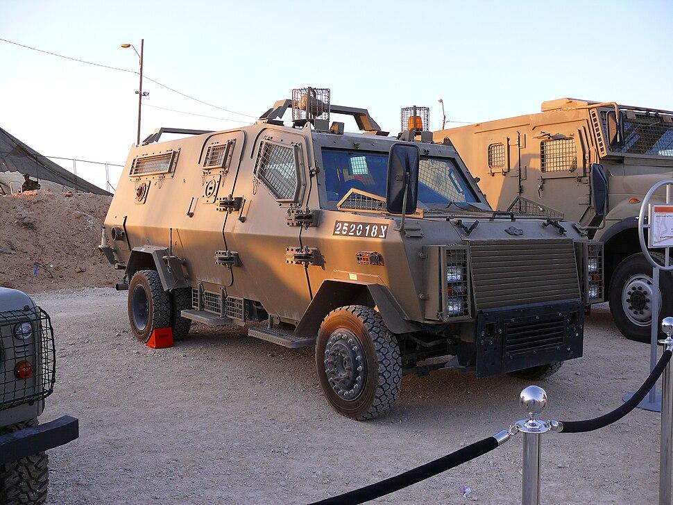Zeev-jeep001