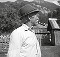 """""""Metic"""" Kravanja Jakob s fajfo, ki jo je izdelal Tojnščev stric, Trenta 1952.jpg"""