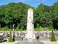 Écouen (95), monument aux morts, cimetière.jpg