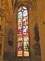 Église de Chaumont en Vexin vitrail déambulatoire 5.JPG