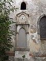 Šatov, kaple Božího hrobu - náhrobek.JPG