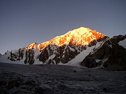 Рассвет в горах Джунгарии.jpg