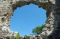 Середнянський замок (Hrad Seredné), okno, deň, 2019.jpg