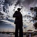 تمثال الشاعر بدر شاكر السياب.jpg