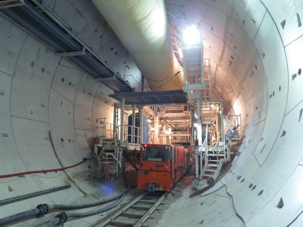 13.08.15 26 Passenger Train in Tunnel 1