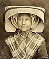 17, Ile d´Oléron Saint Pierre, Charente-Maritime, coiffure oléronnaise le ballet. V. 1915.jpg