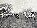 1923 (13 mai), le bayonnais Pardo arrête le toulousain Jauréguy (finale du championnat).jpg