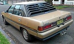 1985 Mitsubishi Magna (TM) SE sedan (2009-05-23) 02.jpg