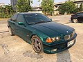 1995-1996 BMW 318i (E36) Sedan (22-02-2018) 02.jpg