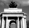 2005-03-25 - United Kingdom - England - London - Wellington Arch - Miscellenaeous 4887754782.jpg