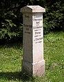 20120722050DR Obernaundorf (Rabenau) Wegweiserstein.jpg