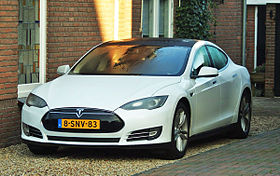 2013 Tesla Model S (11322176214) cropped.jpg