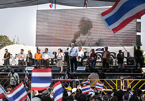 Suthep Thaugsuban - Suthep addressing a PDRC rally at Silom on 2 February 2014