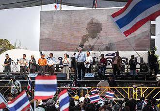 Suthep Thaugsuban - Suthep addressing a PDRC rally at Silom on 2 February 2014