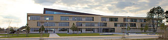 A. P. Møller School - Image: A. P. Møller Skolen Haupteingang