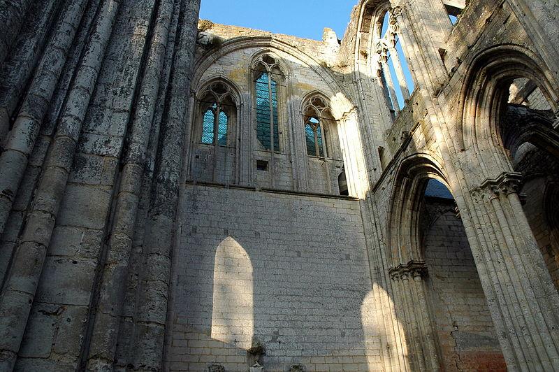 File:Abbaye de Saint-Wandrille ruines abbatiale St-Pierre 2.jpg