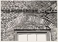 Achterdam 11. Achtergevel aan de Kooltuin, op de eerste verdieping. Segmentboog boven het raam aan d - RAA011000073 - RAA Elsinga.jpg