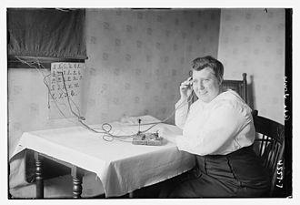 Ada Jones - Ada Jones sending morse code in 1918