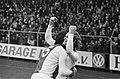 Ajax tegen AZ'67 1-0 Geels (juicht) met Schoenaker, Bestanddeelnr 928-9820.jpg