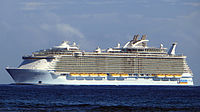 Allure of the Seas (ship, 2009) 001 (cropped).jpg