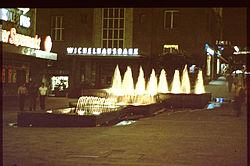 Alte Döppersberger Wasserspiele Nachtaufnahme.jpg