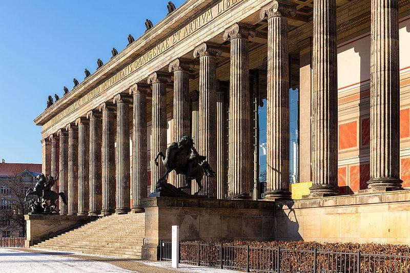 File:Altes Museum, Berlin-Mitte, 170117, ako.jpg