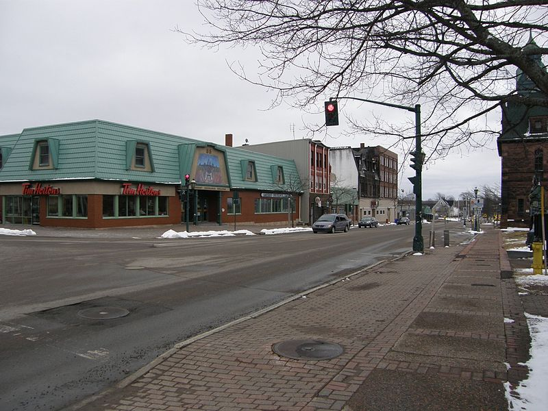 Amherst (NS) Canada  city photo : Amherst NS 2 Wikimedia Commons