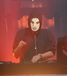 Angerfist (17) (cropped).JPG