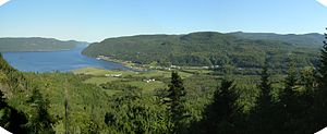 L'Anse-Saint-Jean, Quebec - Image: Anse St Jean mtnv