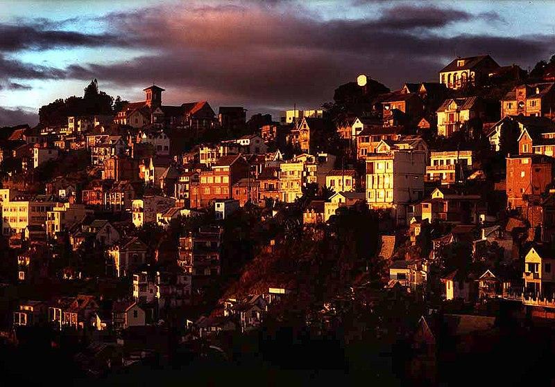 800px-Antananarivosunset.jpg