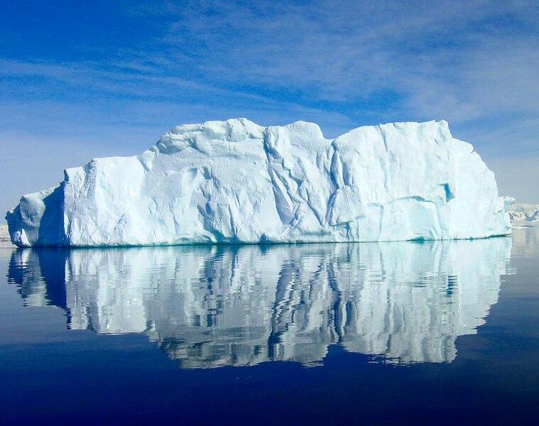 File:Antarctic Iceberg 18.jpg