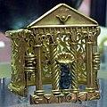 Arte tardo egizia, braccialetto a forma di porta magica in oro e bronzo, alessandria, IV-inizio V sec. ac. 01.JPG