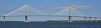 Die Arthur Ravenel Jr. Bridge verbindet Mount Pleasant mit Charleston