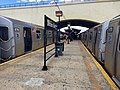 Astoria - Ditmars Boulevard - Platform.jpg
