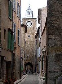 Aups, rue de l'horloge 2.jpg